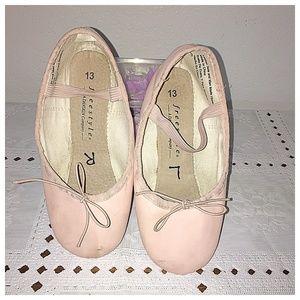 Danskin Freestyle Girls Pink Ballet Shoes size 13